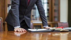 خصوصیات یک وکیل خوب
